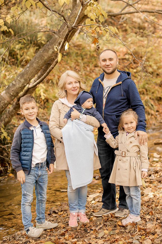 Семья до переезда в Испанию