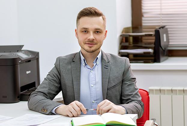 Илья Лобанов, Старший специалист